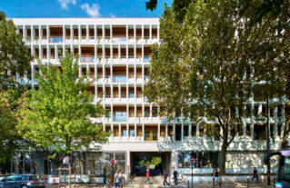 Découvrez l'analyse d'opération de l'Observatoire de la qualité architecturale du logement en Île-de-France, portant sur la transformation de bureaux en logements à Charenton-le-Pont